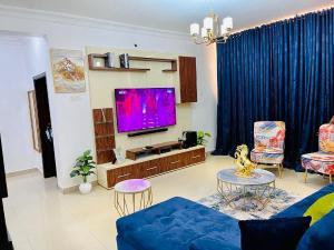3 bedroom Blocks of Flats House for rent Milverton Estate Osapa london Lekki Lagos