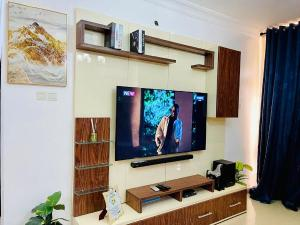 3 bedroom Flat / Apartment for shortlet Milverton Estate Osapa london Lekki Lagos