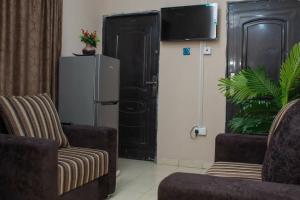 1 bedroom Mini flat for shortlet 19,adegoke Adedeji Eleyele Ibadan Oyo
