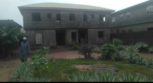 House for sale Off Agric Road beside Igando bus stop. Igando Ikotun/Igando Lagos
