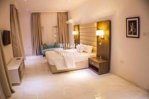 4 bedroom Flat / Apartment for shortlet Off Idejo Street Adeola Odeku Victoria Island Lagos