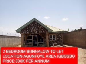2 bedroom Self Contain Flat / Apartment for rent agunfoye bustop  Igbogbo Ikorodu Lagos