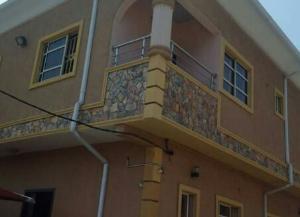 6 bedroom House for sale Olatunji Akinsoya Street Off Oguntona Crescent, Pedro Phase 1 Gbagada Lagos