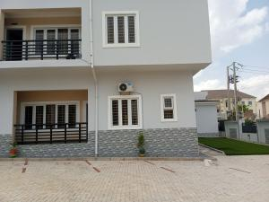 3 bedroom Flat / Apartment for rent Located behind American international school Durumi Abuja