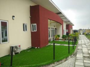 4 bedroom Terraced Bungalow House for rent chevron Lekki Lagos