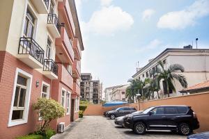 4 bedroom Penthouse for sale ONIRU Victoria Island Lagos