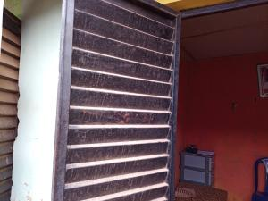 1 bedroom mini flat  Shop Commercial Property for rent Oju Oja Apete, Ibadan Apata Ibadan Oyo