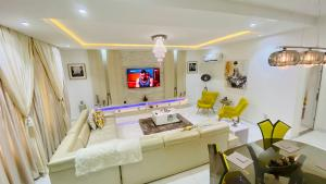 3 bedroom Shared Apartment Flat / Apartment for shortlet Osapa london Lekki Lagos