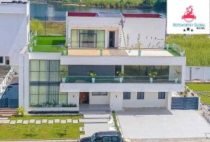 6 bedroom Massionette House for sale Shoreline Estate Banana Island Ikoyi Lagos