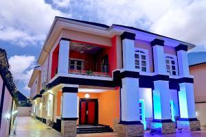 6 bedroom Detached Duplex House for shortlet VGC Lekki Phase 2 Lekki Lagos