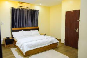 2 bedroom Mini flat Flat / Apartment for shortlet Awuse State Opebi Ikeja Opebi Ikeja Lagos