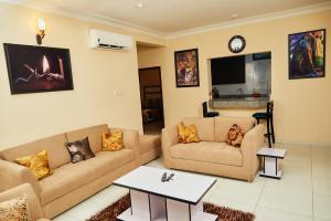 3 bedroom Mini flat Flat / Apartment for shortlet Cadogan estate Osapa london Lekki Lagos