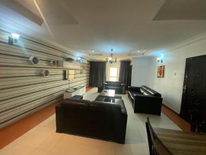 3 bedroom Blocks of Flats House for rent Oniru Lekki Lagos