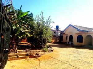 5 bedroom Detached Bungalow House for sale Zambia Crescent,barnawa Kaduna South Kaduna