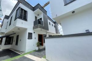 4 bedroom Semi Detached Duplex House for sale Lekky Palm City Estate Ajah Lagos