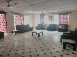 4 bedroom Commercial Property for rent Bajulaye road Akoka Yaba Lagos