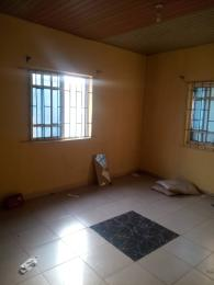 Self Contain Flat / Apartment for rent Off aborisade lawanson surulere  Lawanson Surulere Lagos