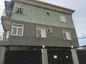 3 bedroom Mini flat Flat / Apartment for rent Off Aturase Estate Atunrase Medina Gbagada Lagos