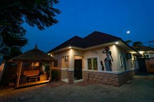 3 bedroom Flat / Apartment for shortlet Nbora Abuja