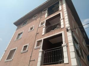 2 bedroom Shared Apartment Flat / Apartment for rent Sungas road, adetols Bariga Shomolu Lagos