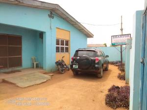5 bedroom Flat / Apartment for sale Bada Ayobo Ipaja Lagos