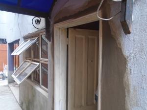 1 bedroom mini flat  Self Contain Flat / Apartment for rent opebi estate,off salvation road Opebi Ikeja Lagos