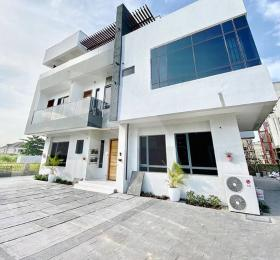6 bedroom Flat / Apartment for sale Osapa london Lekki Lagos
