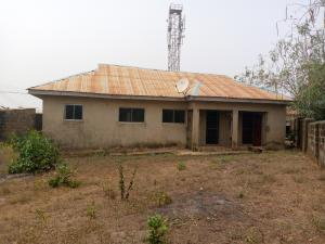 2 bedroom Detached Bungalow House for sale near Hassan Block Akuru, Elebu Area Akala Express Ibadan Oyo