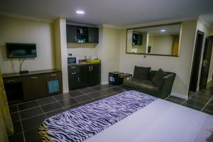 1 bedroom mini flat  Flat / Apartment for shortlet - Kofo Abayomi Victoria Island Lagos