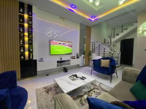 4 bedroom Semi Detached Duplex House for shortlet Osapa london Lekki Lagos