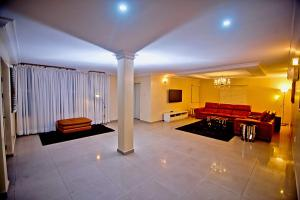 Penthouse Flat / Apartment for shortlet Off Admiralty way  Lekki Phase 1 Lekki Lagos