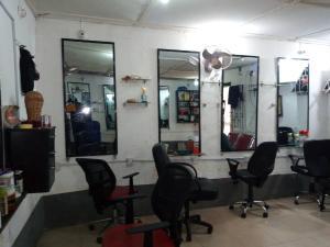 1 bedroom mini flat  Shop Commercial Property for rent Dopemu Road Dopemu Agege Lagos