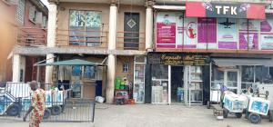 2 bedroom Commercial Property for rent On Ishaga Road ,surulere Ojuelegba Surulere Lagos