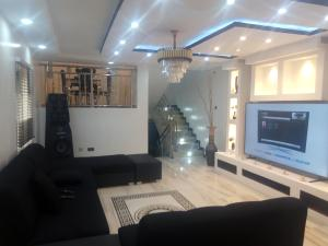 5 bedroom Detached Duplex House for shortlet Alhaji Jimoh,Harco Bus Stop Adeniyi Jones Ikeja Lagos