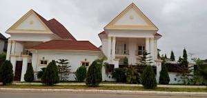 5 bedroom Semi Detached Duplex for rent Guzape Abuja