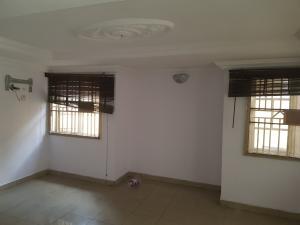 3 bedroom Shared Apartment Flat / Apartment for rent Adekunle Kuye Street Surulere Adelabu Surulere Lagos