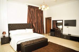 3 bedroom Blocks of Flats House for shortlet Oniru, Victoria Island ONIRU Victoria Island Lagos