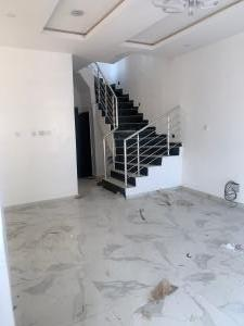 4 bedroom Semi Detached Duplex House for rent x Lekki Phase 2 Lekki Lagos