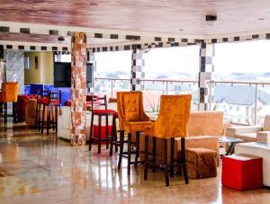 10 bedroom Hotel/Guest House Commercial Property for sale Udu Road in Delta State, Warri Udu Delta