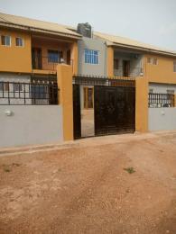 3 bedroom Flat / Apartment for rent Behind DSS estate iletitun Jericho Ibadan Oyo