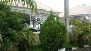 2 bedroom Semi Detached Bungalow House for sale In an estate along Voice of Nigeria road, airport road Abuja Lugbe Abuja