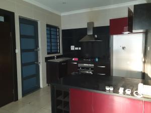 3 bedroom Flat / Apartment for rent Off Victoria Arubieke Lekki Phase 1 Lekki Lagos
