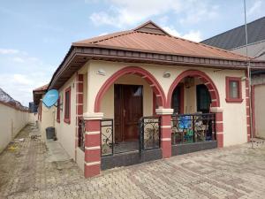 3 bedroom Detached Bungalow House for sale Baruwa Ipaja Lagos