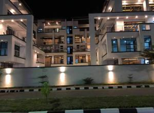 3 bedroom Flat / Apartment for rent Off Second Avenue. Banana Island Ikoyi Lagos