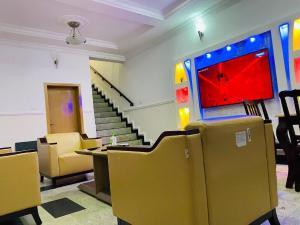 4 bedroom House for shortlet Adeniyi Jones Ikeja Lagos