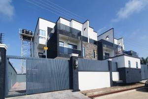 4 bedroom Semi Detached Duplex House for sale 2nd toll gate ( orchid hotel road) chevron Lekki Lagos