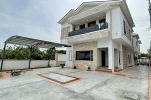 5 bedroom Detached Duplex for sale Megamound Estate Ikota Lekki Lagos