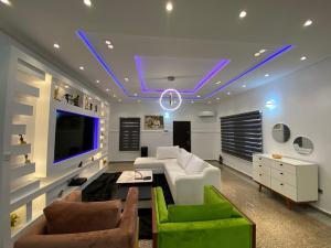 5 bedroom Semi Detached Duplex for shortlet Osapa London, Lekki Osapa london Lekki Lagos