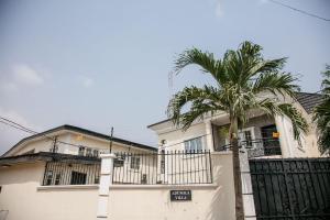 3 bedroom Flat / Apartment for shortlet Adeniran Ogunsanya Surulere Lagos