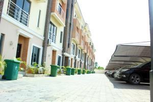 4 bedroom Shared Apartment Flat / Apartment for shortlet MORNING SIDE UNIT 4 Dillion Michel Court Oniru Estate, Victoria Island, Lagos ONIRU Victoria Island Lagos